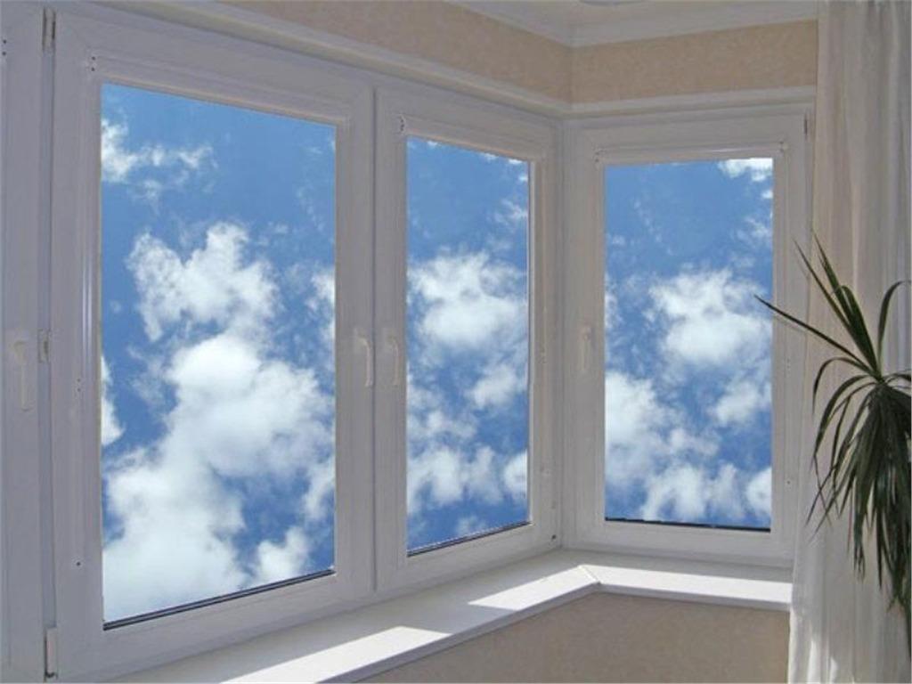Цены на остекление балкона: обзор вариантов.